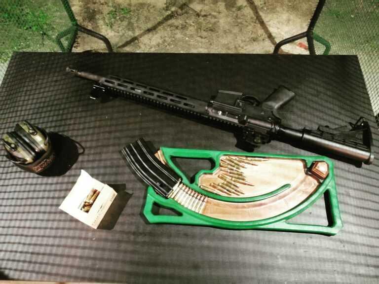 Strzelnica sportowa - ładowanie broni